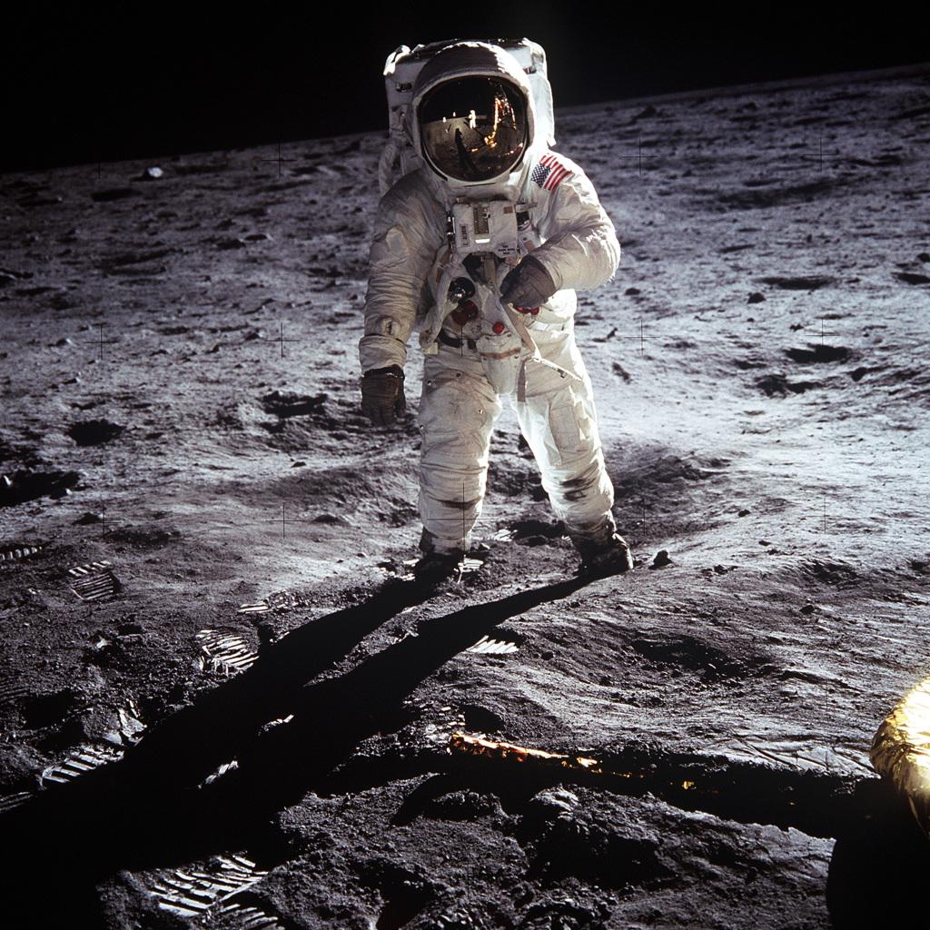 Астронавт Базз Олдрин на лунной поверхности 20 июля 1969 года