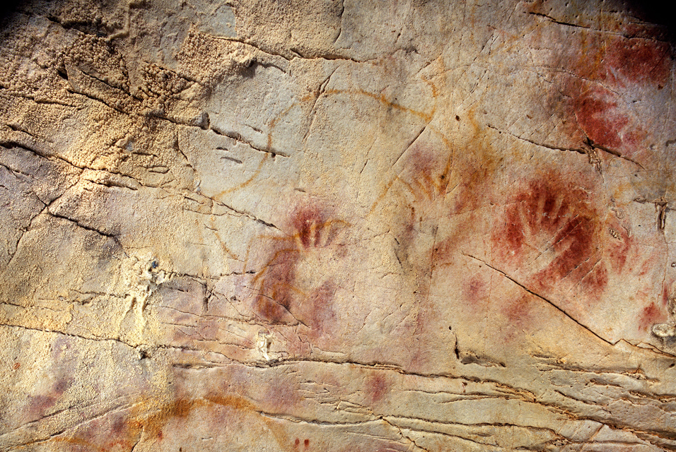 Anonymous_artists_of_the_Stone_Age_-_Panel_of_Hands_(detail)