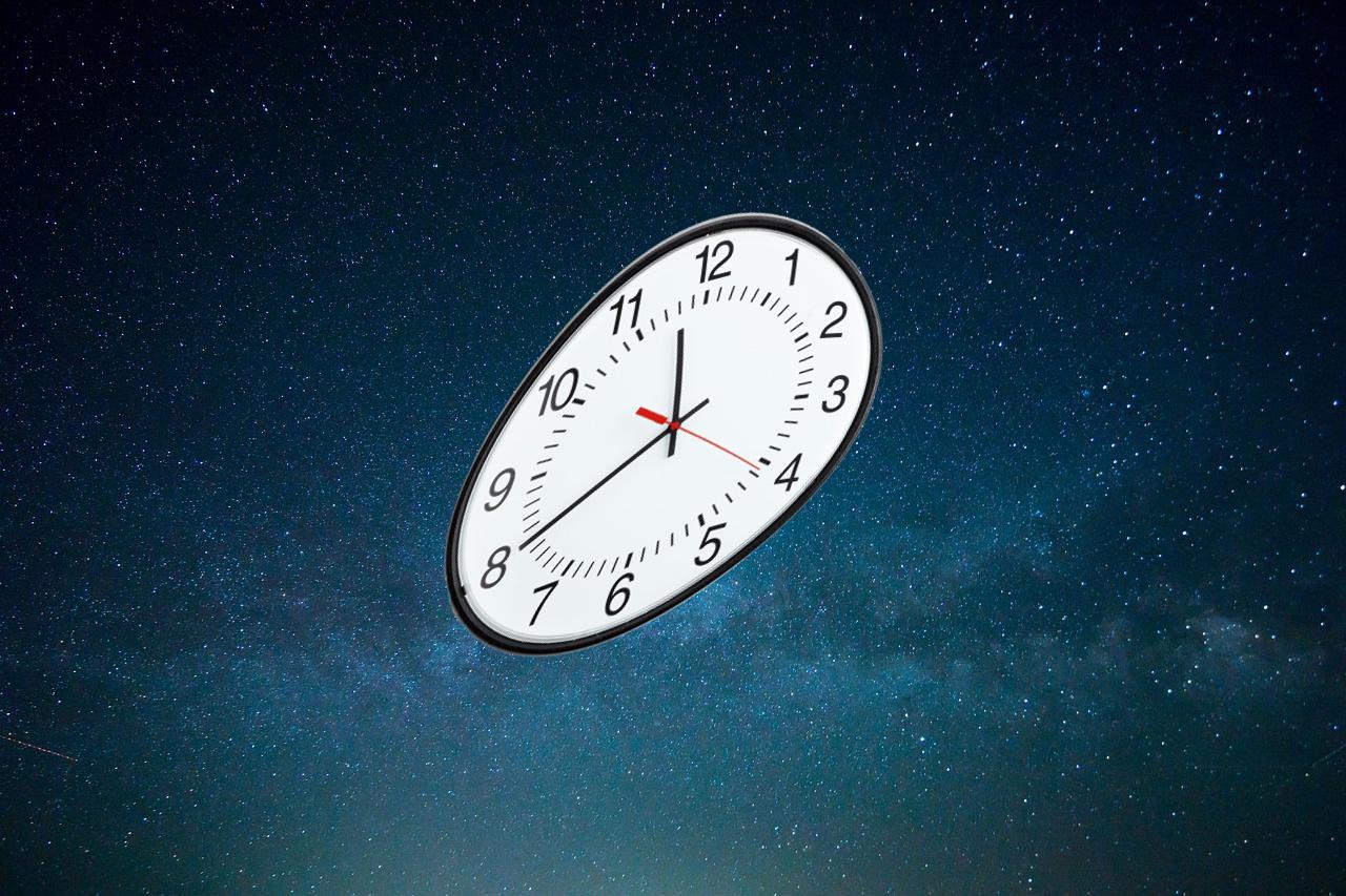 Как себя ведут часы в космосе