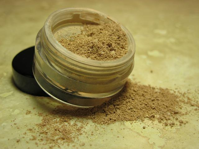 cosmetics-1022059_640
