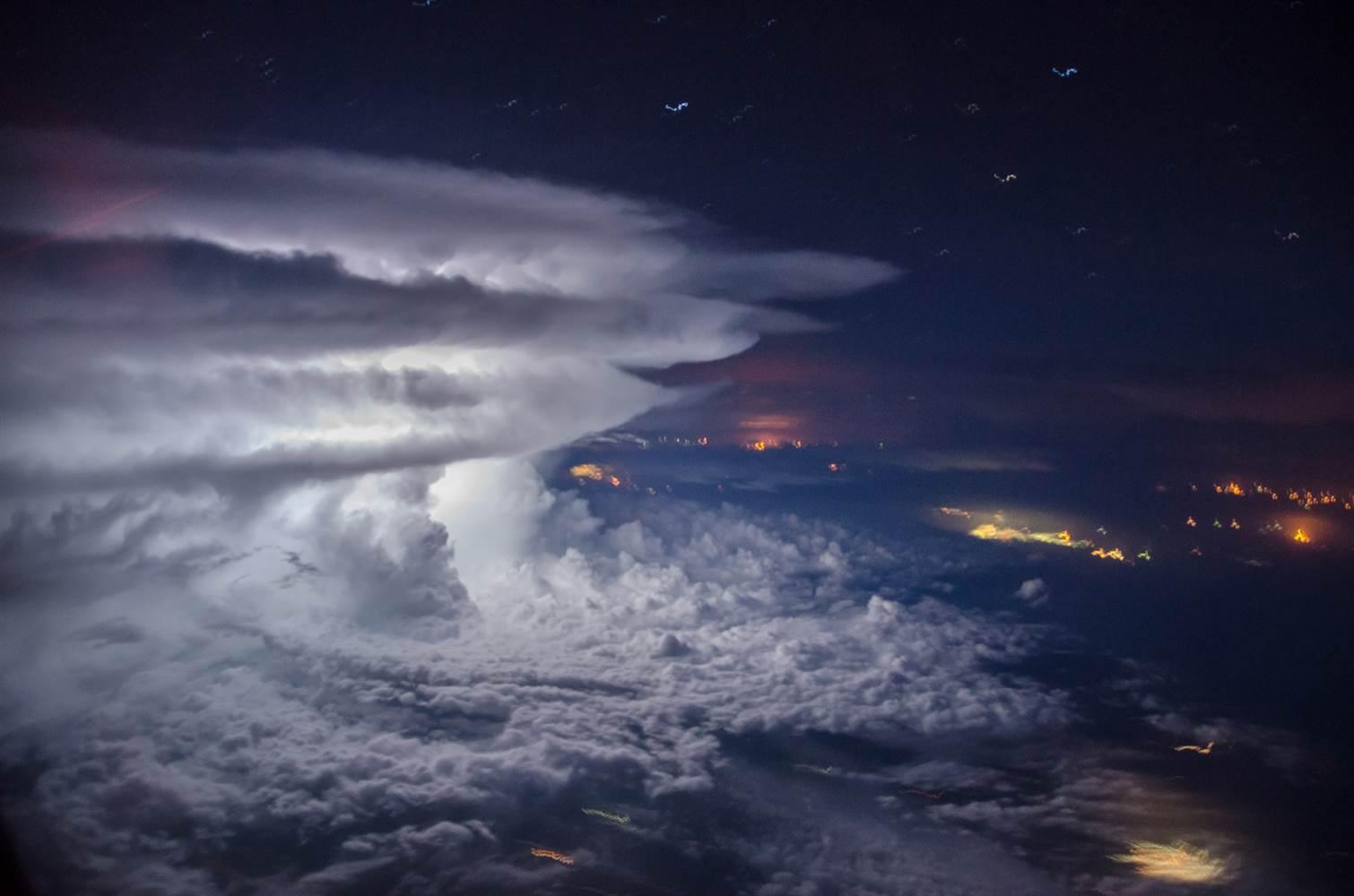 160711-tormenta-borja-mdl_d76e4d387cdb934aba4922df7ad70389.nbcnews-ux-2880-1000