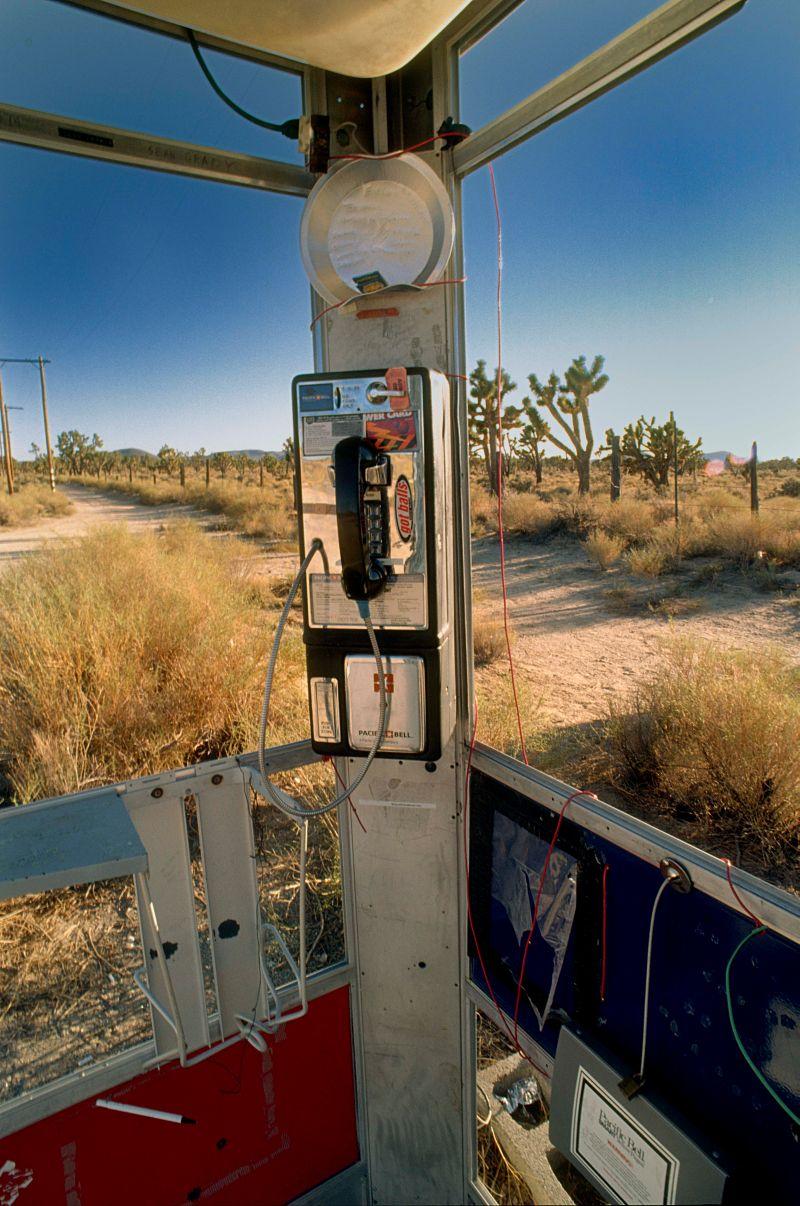 mojave-phone-booth-3