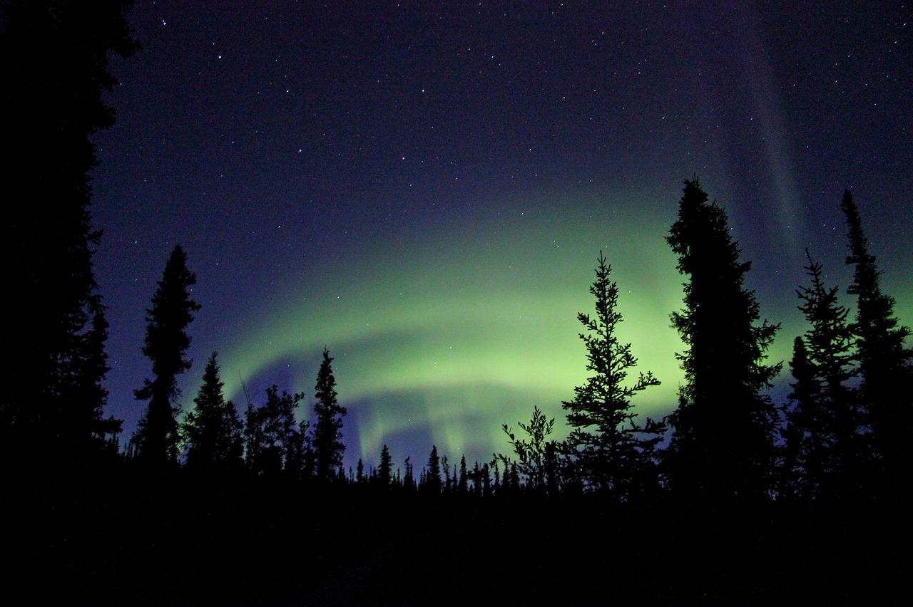 aurora-borealis-1554901_1280