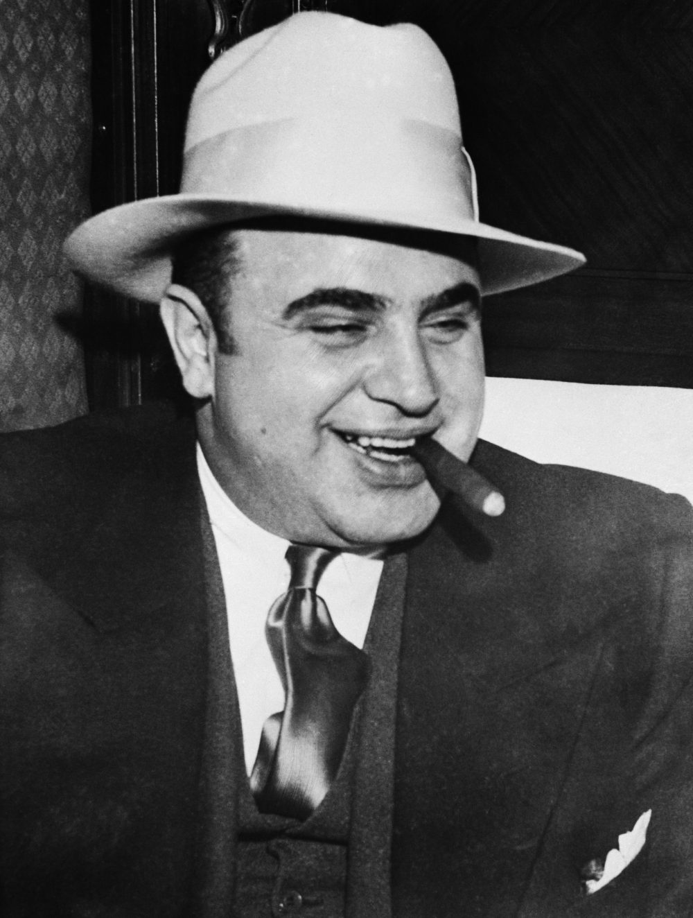 M: Capone: The Life and World of Al